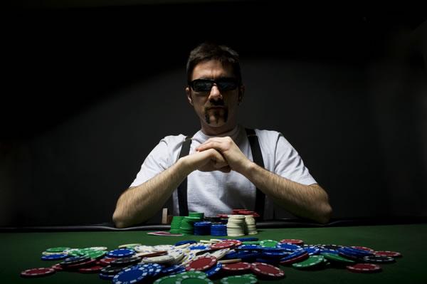 Preisverhandlung: Einkäufer gibt Verkäufern 7 Praxis-Tipps für den Verhandlungs-Poker
